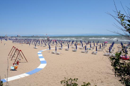 Camping Village Pino Mare: Spiaggia del Pino Mare 9luglio2015.
