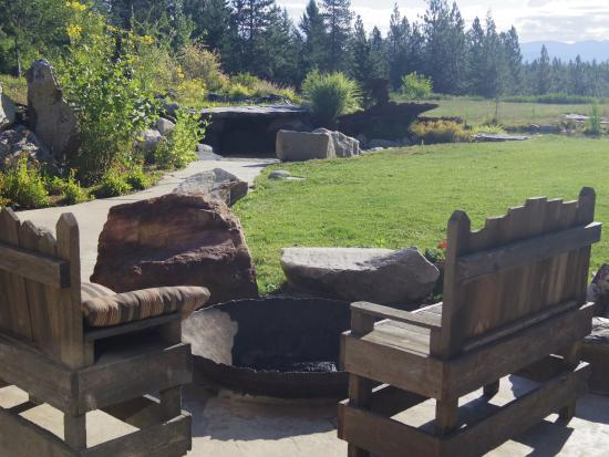 Sandpoint, ID: Quiet time in the backyard