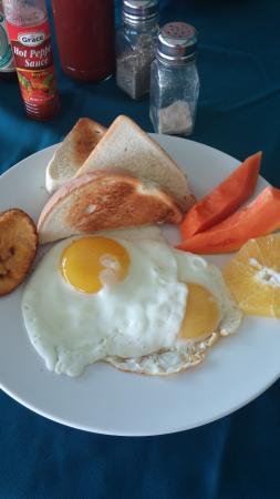 Negril Escape Resort & Spa: Delicious fresh breakfast!