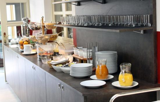 Strass im Strassertale, Österreich: Opulentes Frühstücksbuffet mit regionalen Spezialitäten (Bio-Landwirtschaft)