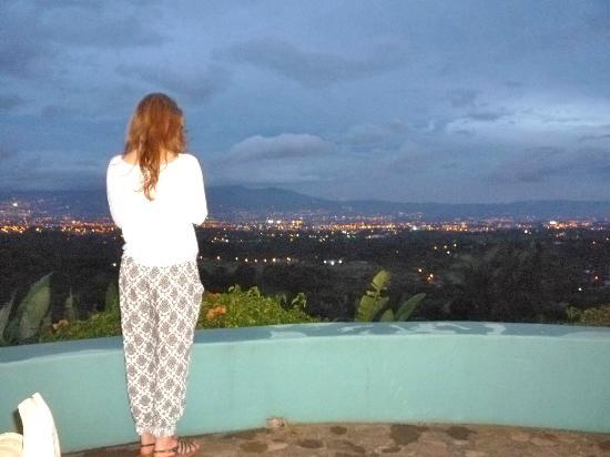 Alajuela, Costa Rica: evening view