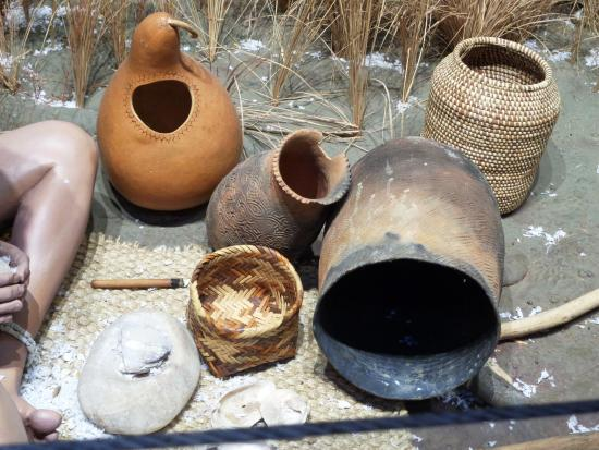 Waleska, GA: pots and baskets