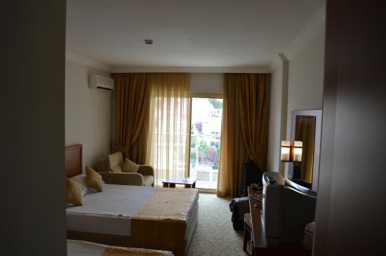Hedef Rose Garden Hotel: Room