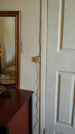 Three Diamond Inn: wires and light switch