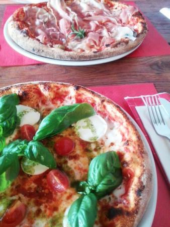 Kamp Lebanc: Tasty pizza