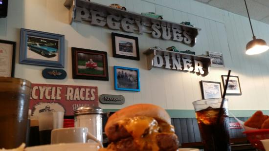 Chesterton, IN: Peggy Sue's Diner