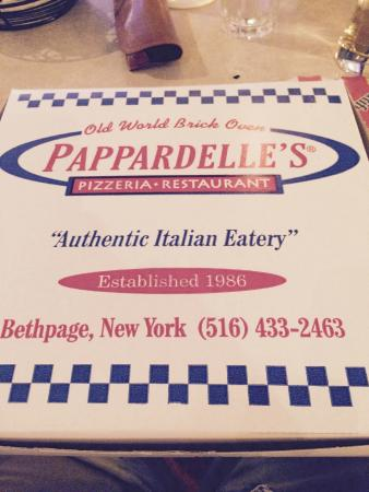 Pappardelle's Pizzeria : carryout box
