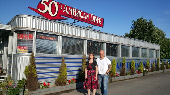 Exterior of the 50 39 s american diner picture of 50 39 s for 50 s diner exterior