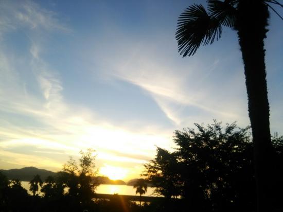 Suo-Oshima: キャンプ場からの日の出