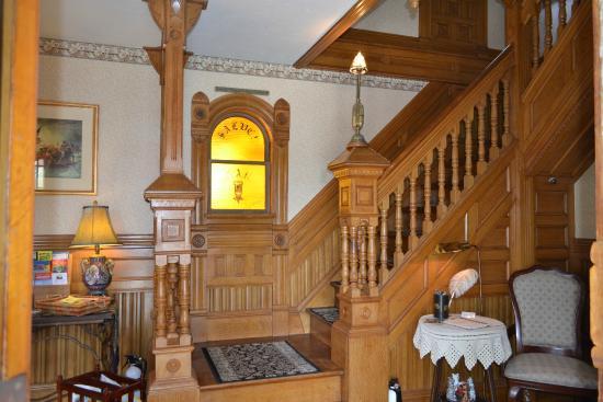 تشيني هاوس: Entry Foyer