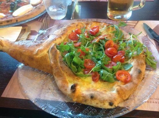 Mazzo di fiori - Picture of Pizzeria La Terrazza, Mediglia - TripAdvisor