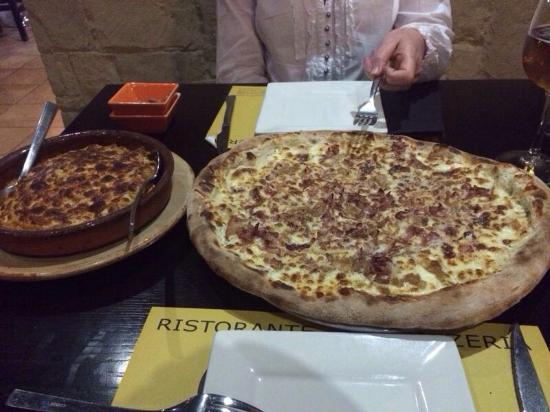 Grotta Mare: Pizza Gigante