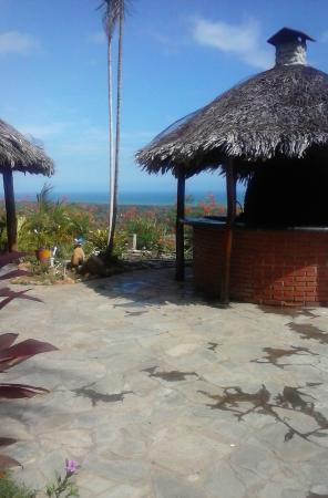 Hotel Eco Inn: Vista desde la piscina