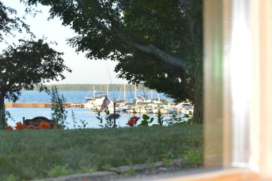 The Bayfield Inn: View out Lakeside Jacuzzi Suite #1