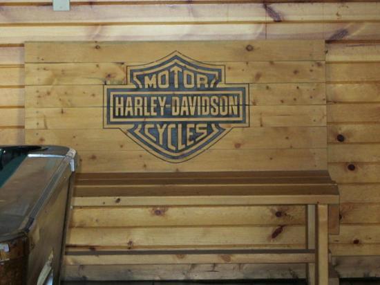 Groovy Nice Harley Bench Picture Of Wooden Nickel Saloon Uwap Interior Chair Design Uwaporg