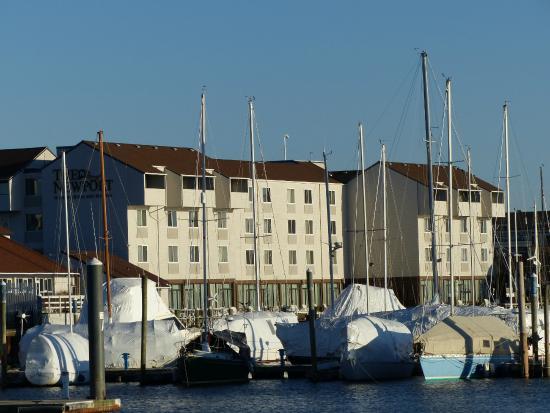 l 39 h tel picture of newport harbor hotel marina. Black Bedroom Furniture Sets. Home Design Ideas