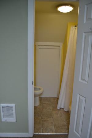 Bella Beach: Carriage house bathroom