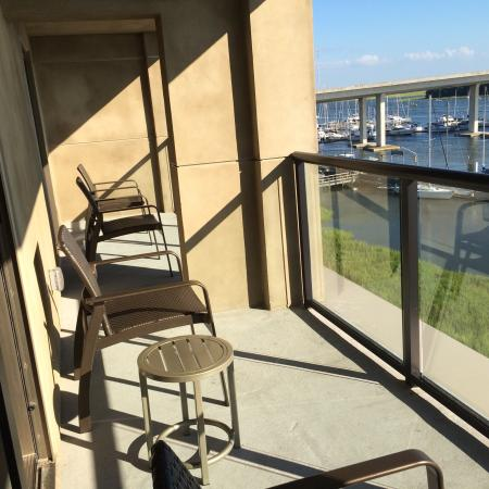 Balcony - Hilton Garden Inn Charleston Waterfront/Downtown Photo