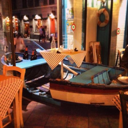 Cena a base di cozze alla marinara e trofie al pesto in for Il porto torino