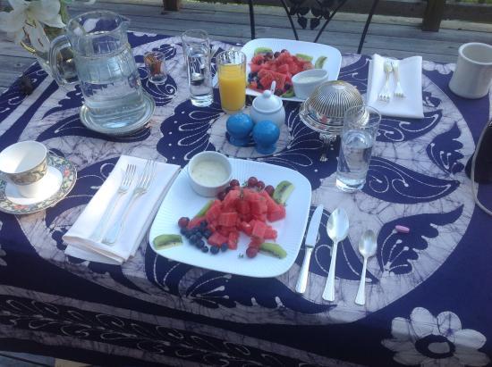Waystead Inn: Breakfast in Provence