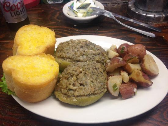 Kenner, Louisiane : This review is on the seafood stuffed mirliton dinner