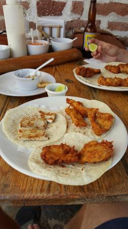 Fonda El Zaguan : fish tacos