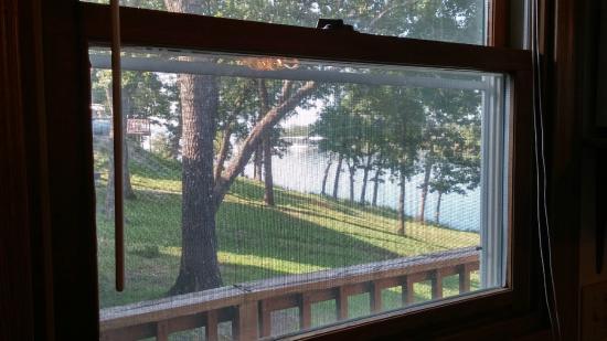 Artilla Cove Resort: View from Cabin #2 Kitchen Sink Window