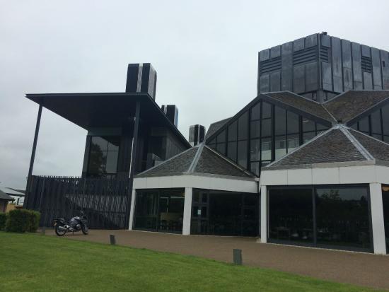 Eden Court Theatre: Vista lateral