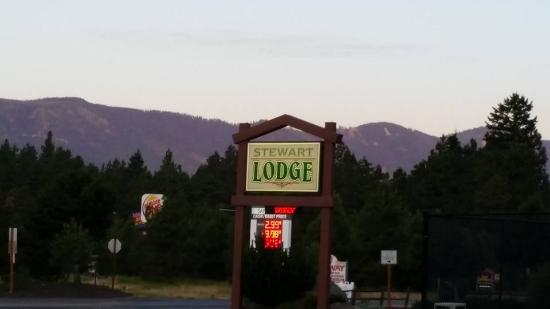 sign for stewart Lodge