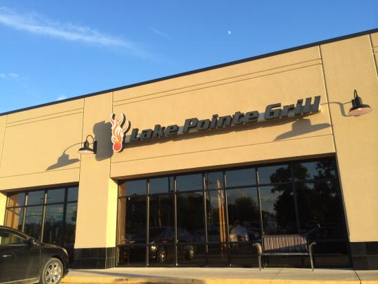 Car Dealerships In Springfield Il >> New Building Picture Of Lake Pointe Grill Springfield