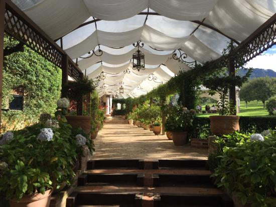 Restaurante jardines de san cristobal picture of for Casa jardin restaurante
