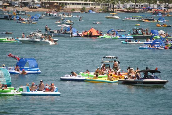 Parker Dam, Califórnia: Annual Parker Tube Float - June Event