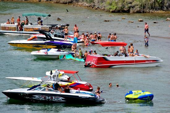 River Lodge Resort: Summer on the Parker Strip