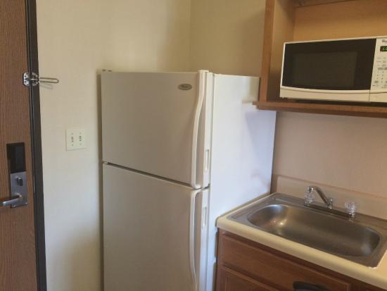 Value Place McAllen Pharr: Full size fridge