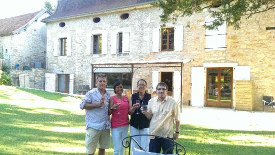 Calvignac, Fransa: Toasting to our vacation