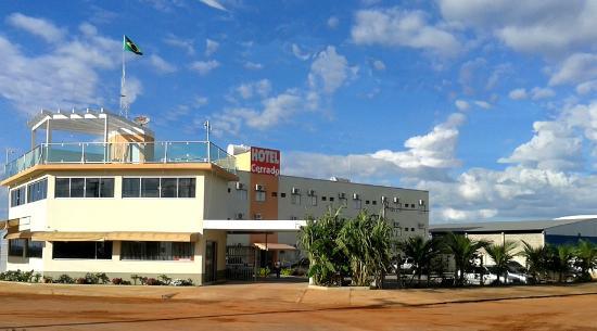 jardim ipe luis eduardo magalhaes:Hotel do Cerrado, Luís Eduardo Magalhães, Bahia: 14 fotos e 8