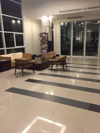Nora Chaweng Hotel: The lobby