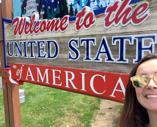 Blaine, WA: Welcome to the United States of America Selfie