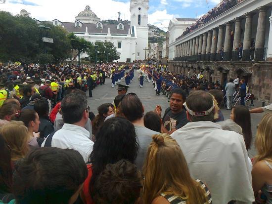 Hotel Catedral Internacional: cambio de guardia