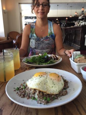 Azu Restaurant & Bar : Breakfast hash and Braised short Rib tacos plus pineapple green tea