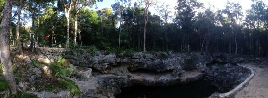 Cavelands Ecolodges: The cenote