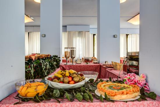 Eurhotel: Buffet sala colazione