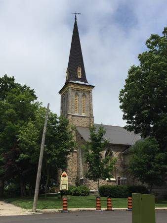 ‪St. Andrew's Presbyterian Church‬