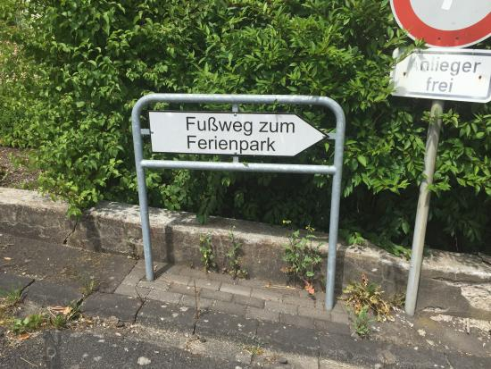 Gunderath, Alemania: Footpath to and from the village