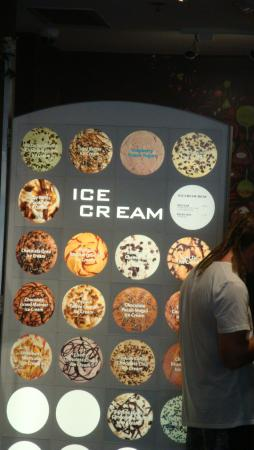 Rocky Mountain Chocolate Factory : ICE CREAM