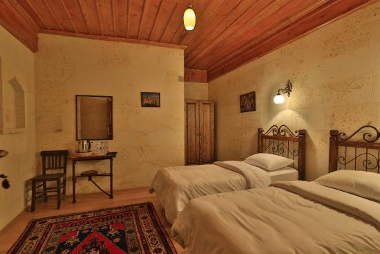 Kemal's Guest House: Deluxe double room twin beds