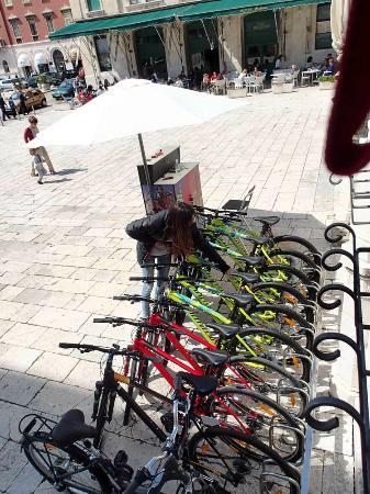 Rent A Bike Split Spot Prokurative Trg Franje Tudjmana 4 Picture