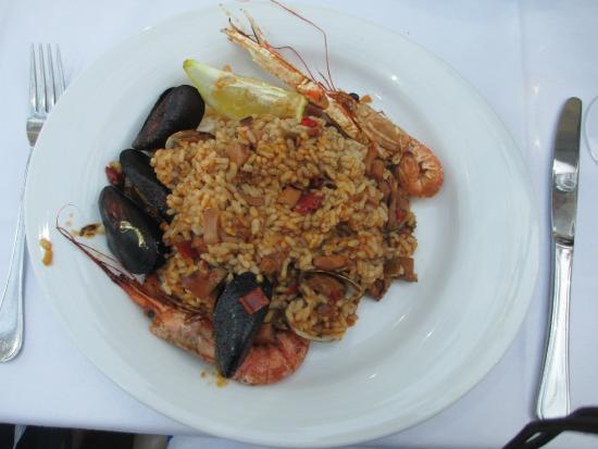 Pika-Tapa, S.L.: Seafood and rice