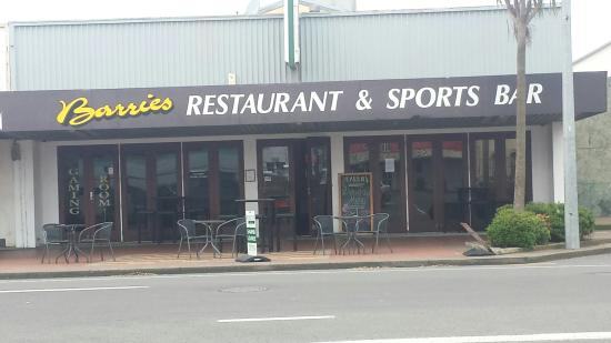 Barries Restaurant & Sports Bar