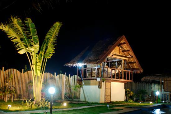 Villa Belza: l'espacce massage en haut à coté de la piscine